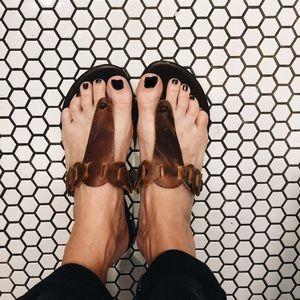 Women's brown genuine leather flip flops / sandals